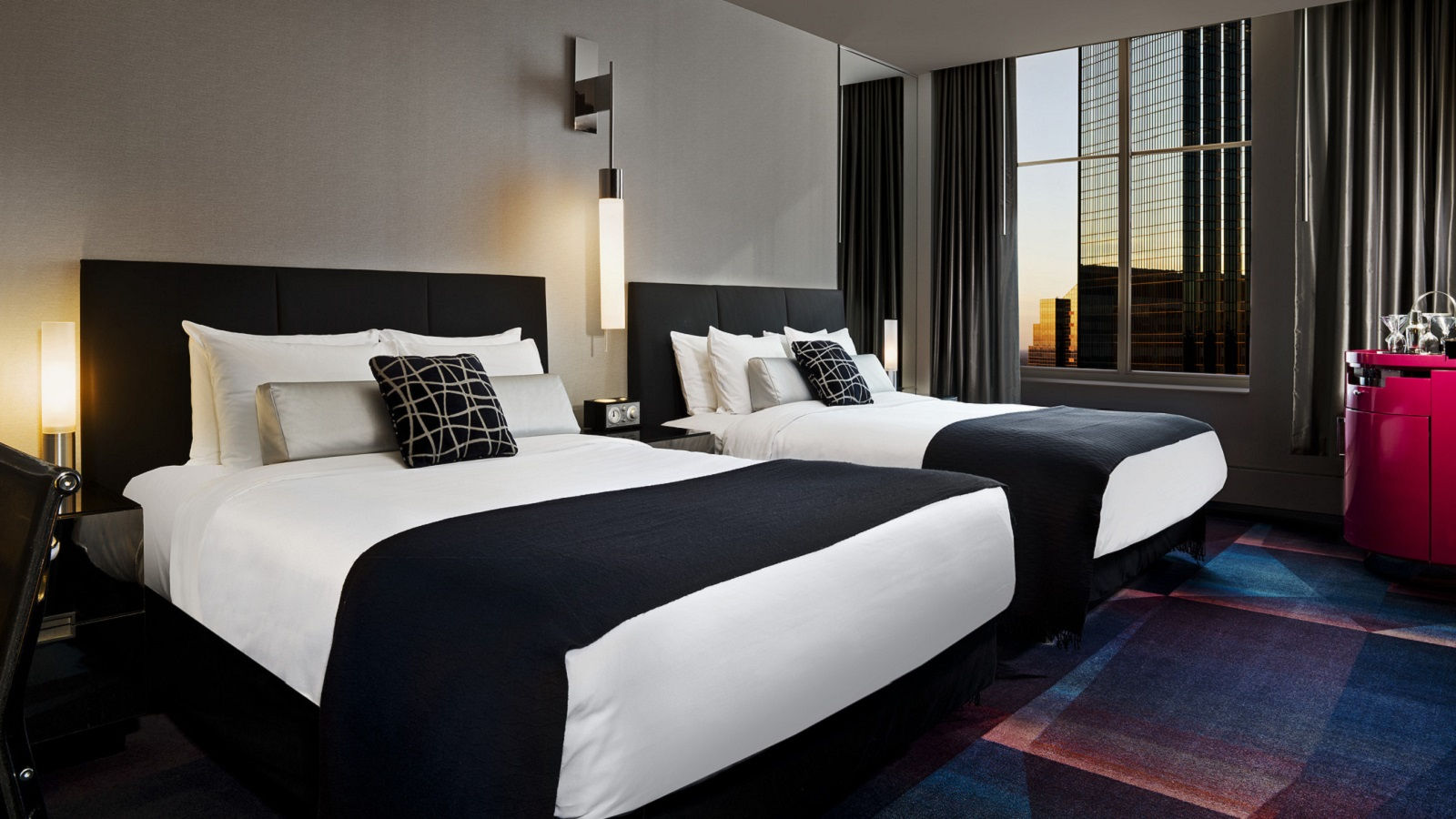 Luxury hotel rooms w minneapolis the foshay for W hotel bedroom designs